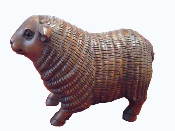 netsuké mouton en bois de fer