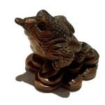 netsuké grenouille de la fortune en bois de fer