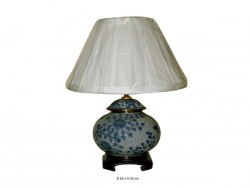 Lampe porcelaine de chine, fleurs