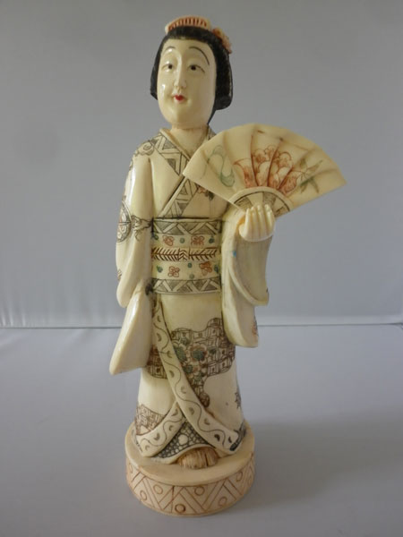 netsuke-okimono-femme11