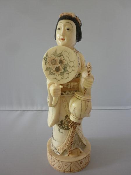 netsuke-okimono-femme2