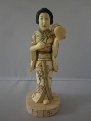 netsuke-okimono-femme6