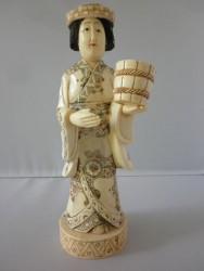 netsuke-okimono-femme8