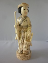 netsuke-okimono-femme9