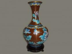 Jarre, vase, en cloisonné ou émail sur cuivre.