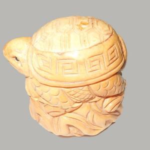 boite tortue, objet en os