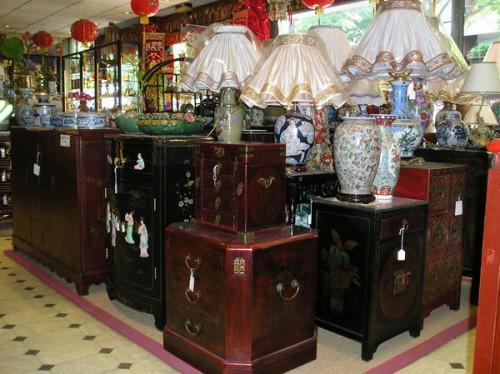 Photo boutique avec des meubles