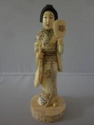 netsuke-okimono-femme3